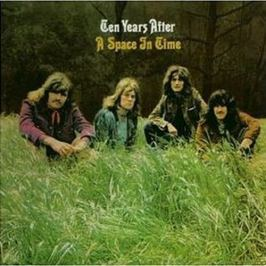 CD Ten Years After : A Space in Time